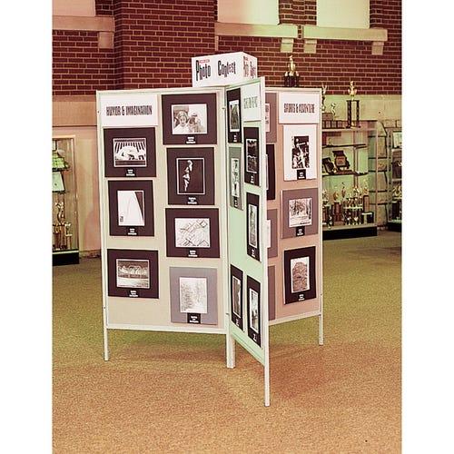 Photo Shows 3 Individual Panels