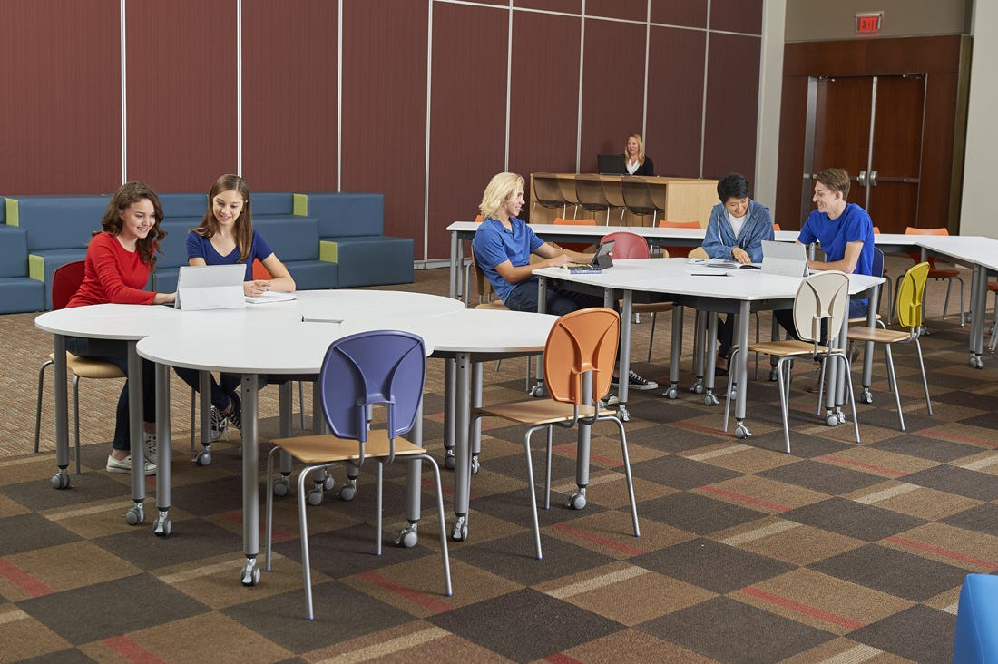 Learning Commons: Central Collaborative Zone